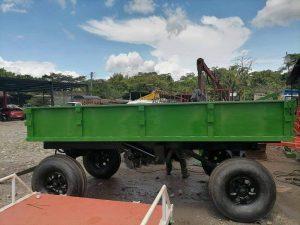 Remolque quinta rueda de sistema de volteo trasero con capacidad de 4 toneladas